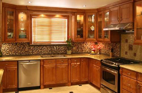 Dekorasi Dapur – Kabinet, Dinding, dan Jendela